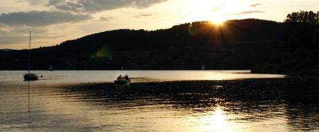 Wypoczynek nad Jeziorem Rożnowskim